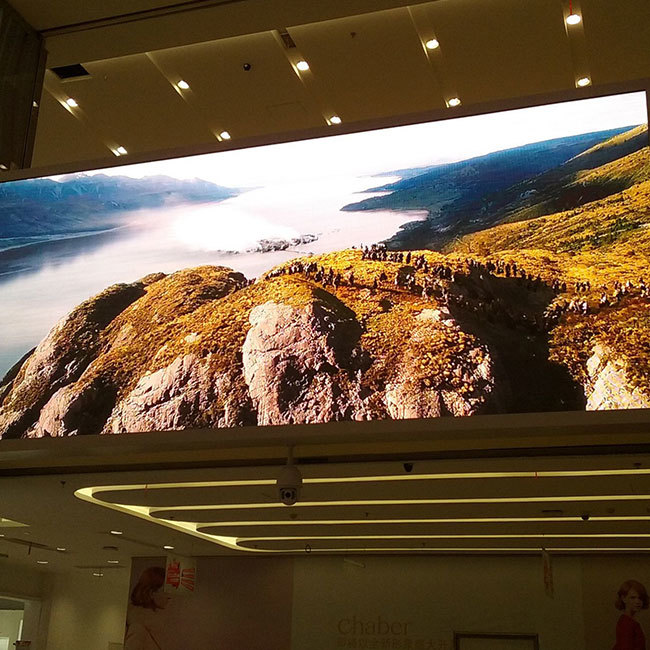 High resolution P2.5 indoor full color led display